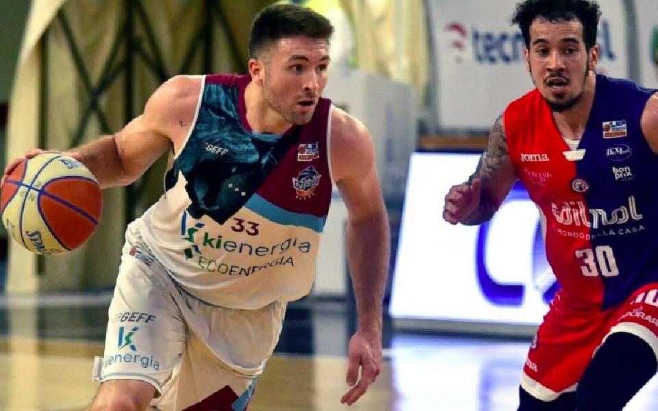https://www.basketmarche.it/immagini_articoli/15-10-2021/ufficiale-dalton-pepper-giocatore-monferrato-600.png