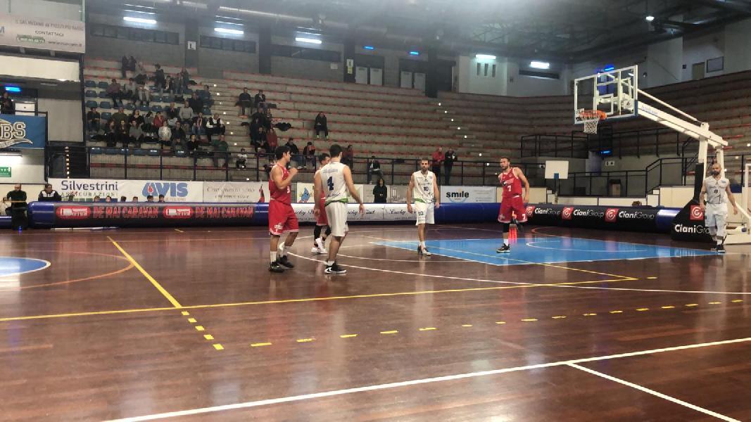 https://www.basketmarche.it/immagini_articoli/15-11-2019/vigor-matelica-match-campo-lucky-wind-foligno-sale-testa-classifica-600.jpg