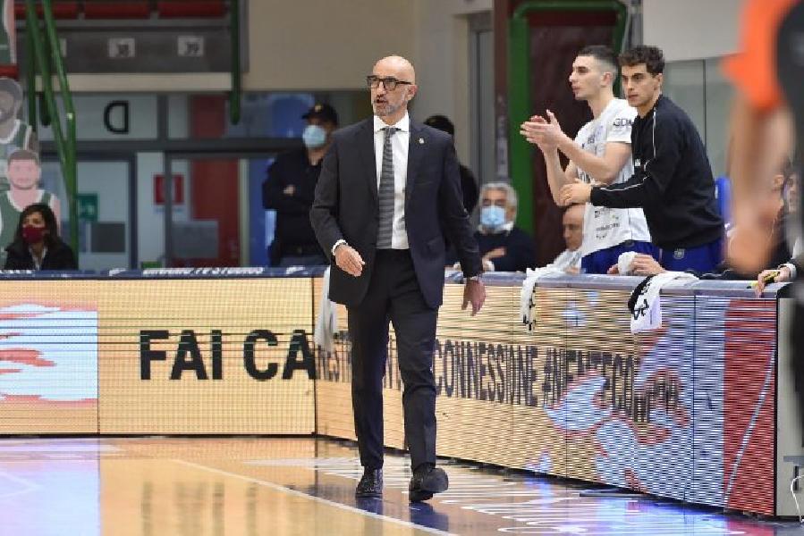 https://www.basketmarche.it/immagini_articoli/15-11-2020/brindisi-coach-vitucci-grande-vittoria-squadra-fatto-passo-avanti-piano-maturit-cestistica-600.jpg