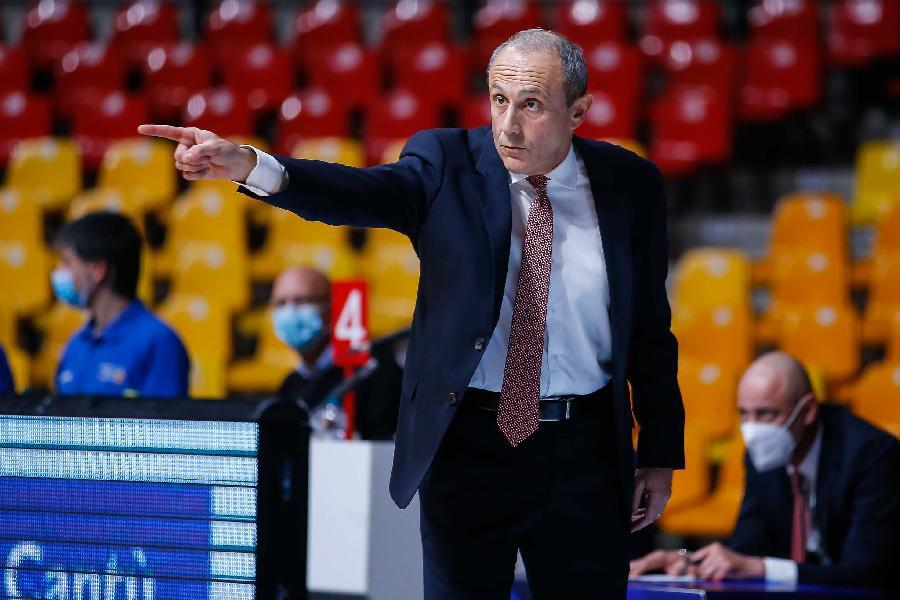 https://www.basketmarche.it/immagini_articoli/15-11-2020/milano-coach-messina-volta-sistemata-difesa-siamo-cresciuti-complimenti-cant-600.jpg