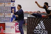 https://www.basketmarche.it/immagini_articoli/15-11-2020/scafati-coach-finelli-grande-soddisfazione-vittoria-supercoppa-successo-fiducia-120.jpg