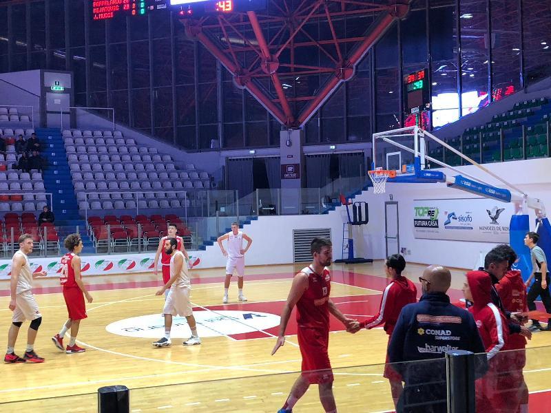 https://www.basketmarche.it/immagini_articoli/15-12-2018/grande-bantsevich-basta-chieti-basket-fermare-imbattuta-vasto-basket-600.jpg