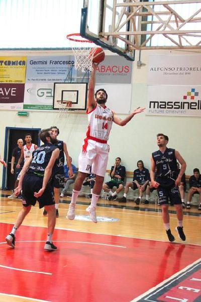 https://www.basketmarche.it/immagini_articoli/15-12-2018/perugia-basket-trasferta-osimo-tommaso-righetti-resto-stagione-600.jpg
