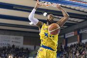 https://www.basketmarche.it/immagini_articoli/15-12-2018/poderosa-montegranaro-assigeco-piacenza-gara-fallire-120.jpg