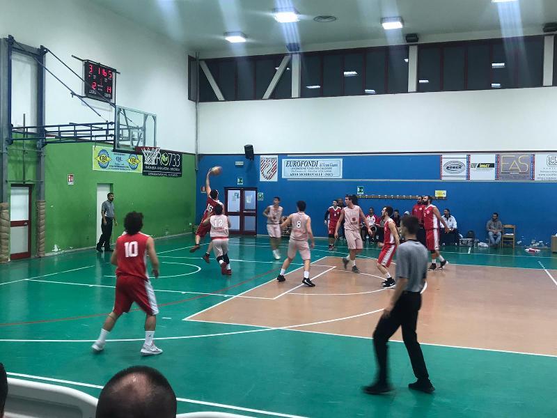 https://www.basketmarche.it/immagini_articoli/15-12-2019/basket-maceratese-vince-derby-campo-ponte-morrovalle-resta-imbattuto-600.jpg