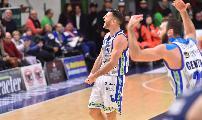 https://www.basketmarche.it/immagini_articoli/15-12-2019/dinamo-sassari-piega-fortitudo-bologna-grande-secondo-tempo-120.jpg