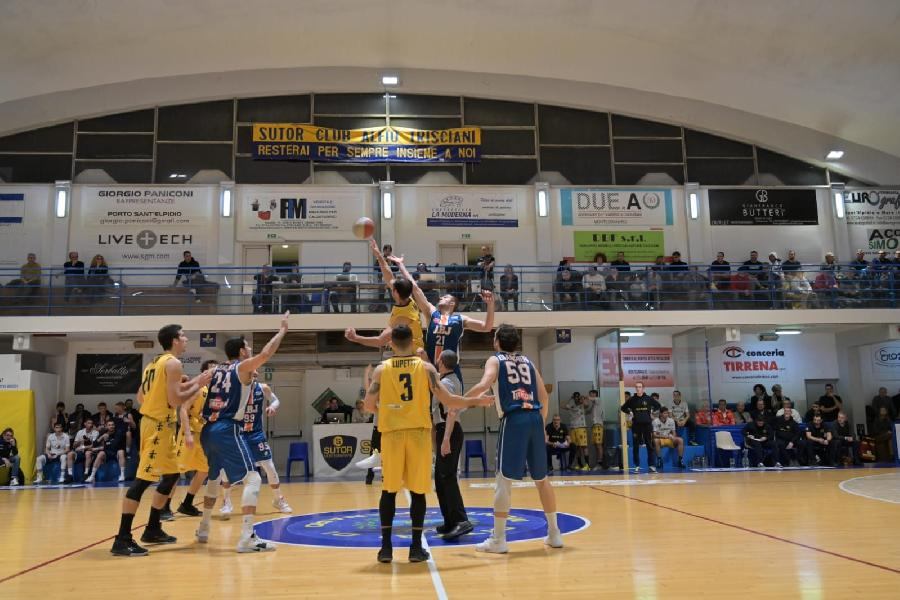 https://www.basketmarche.it/immagini_articoli/15-12-2019/lupetti-show-sutor-montegranaro-vittoria-aurora-jesi-600.jpg