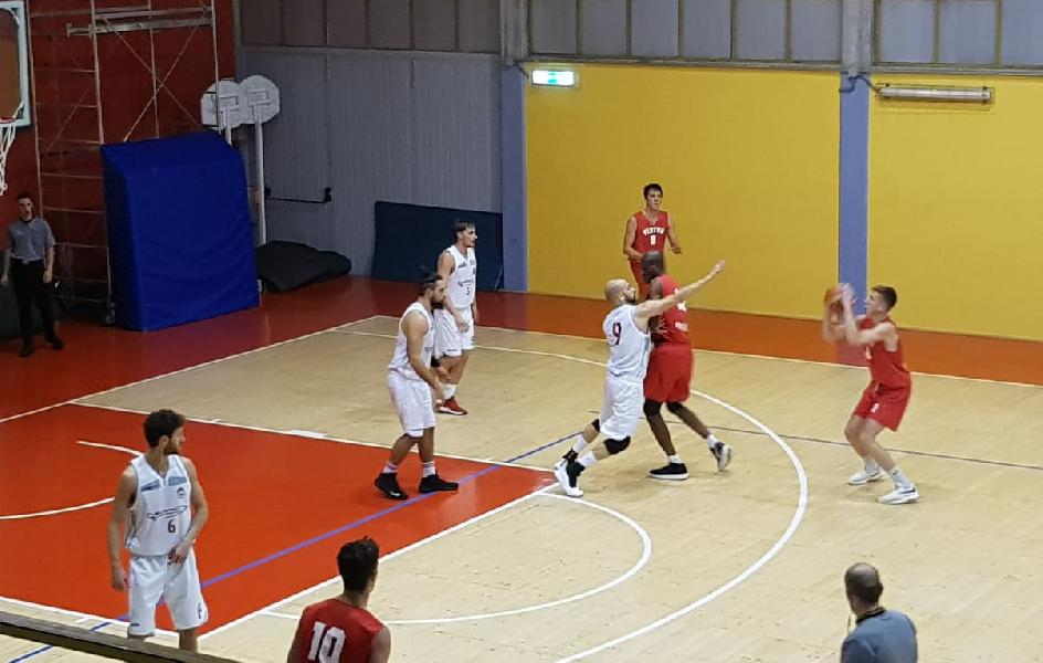 https://www.basketmarche.it/immagini_articoli/15-12-2019/pallacanestro-urbania-viene-fuori-secondo-tempo-supera-chem-virtus-porto-giorgio-600.jpg