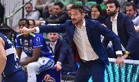 https://www.basketmarche.it/immagini_articoli/15-12-2019/post-partita-sassari-fortitudo-coach-pozzecco-sono-felice-bravi-ragazzi-grande-fortitudo-120.jpg