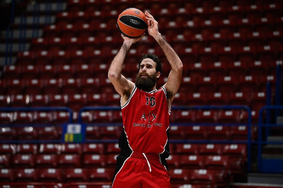 https://www.basketmarche.it/immagini_articoli/15-12-2020/olimpia-milano-tana-fenerbahce-parole-coach-messina-grande-gigi-datome-600.jpg