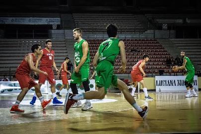 https://www.basketmarche.it/immagini_articoli/16-01-2018/serie-c-silver-il-campetto-ancona-al-lavoro-in-vista-del-derby-di-osimo-270.jpg