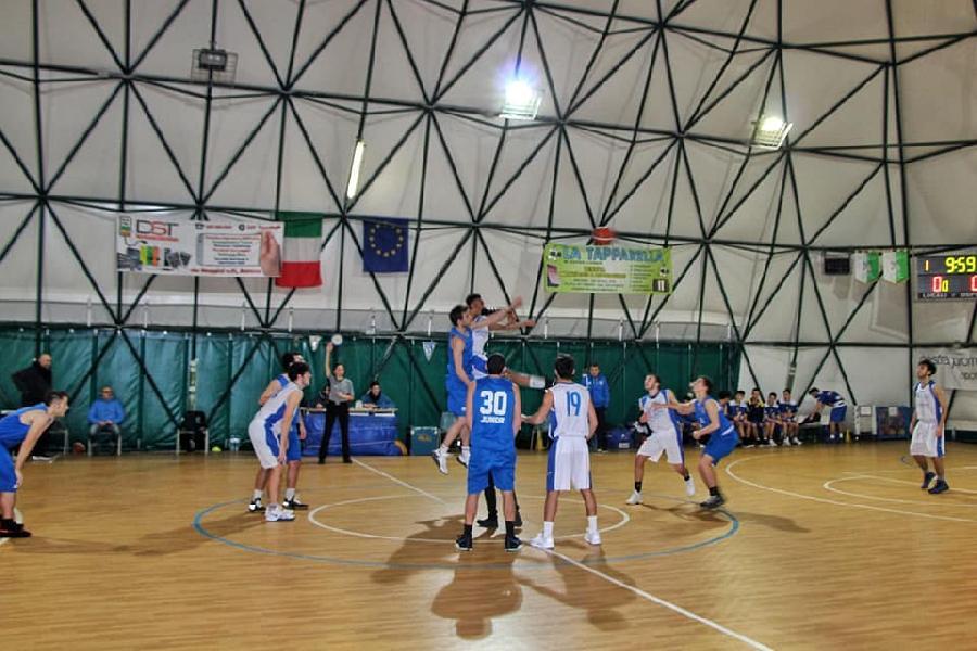 https://www.basketmarche.it/immagini_articoli/16-01-2019/junior-porto-recanati-espugna-volata-orsal-ancona-600.jpg