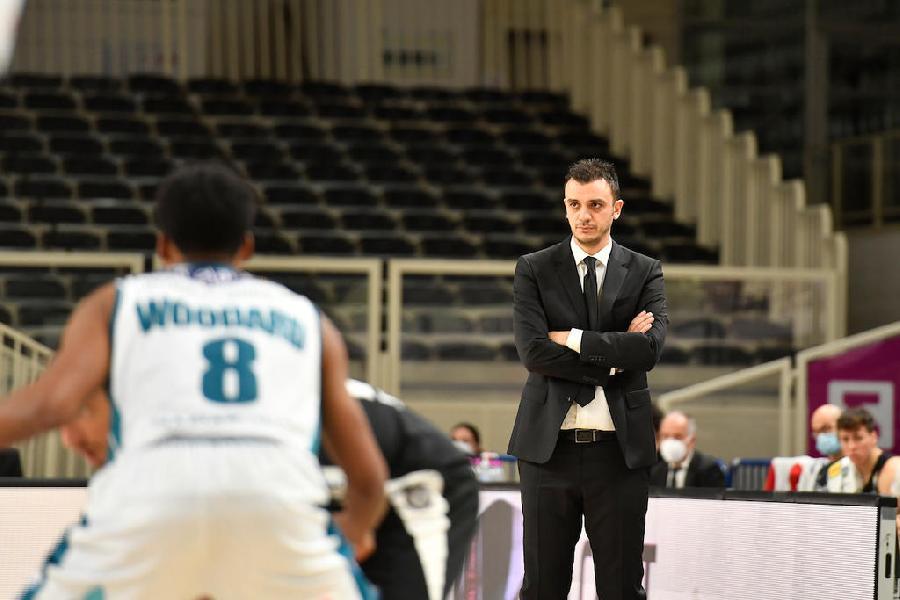 https://www.basketmarche.it/immagini_articoli/16-01-2021/trento-coach-brienza-treviso-grande-intensit-compattezza-interrompere-striscia-sconfitte-600.jpg