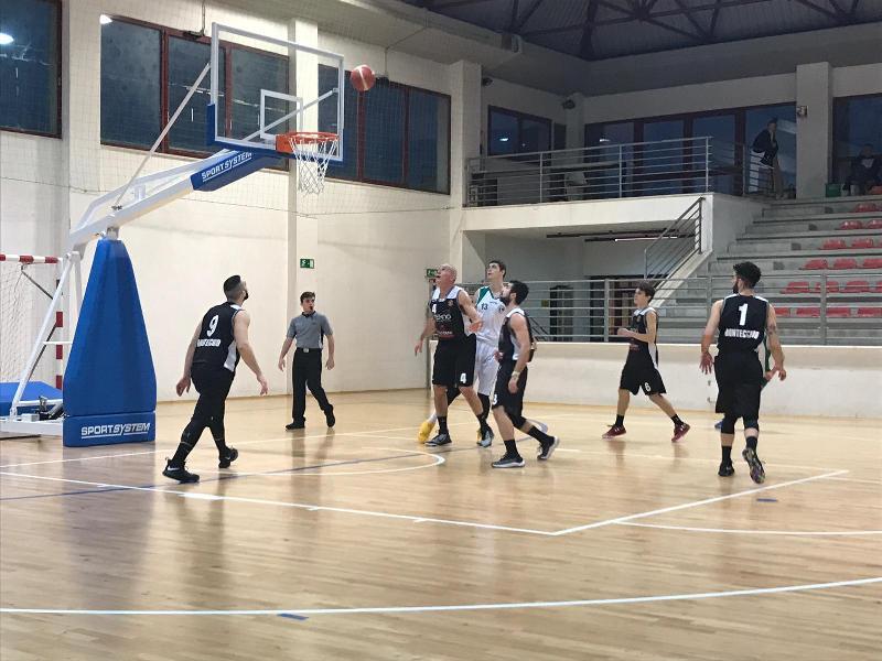 https://www.basketmarche.it/immagini_articoli/16-02-2019/regionale-acqualagna-corsara-vittoria-stamura-bene-castelfidardo-600.jpg