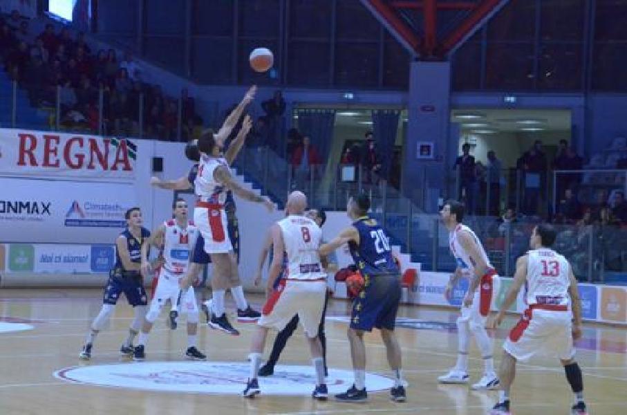 https://www.basketmarche.it/immagini_articoli/16-02-2020/niente-fare-sutor-montegranaro-campo-teate-basket-chieti-600.jpg