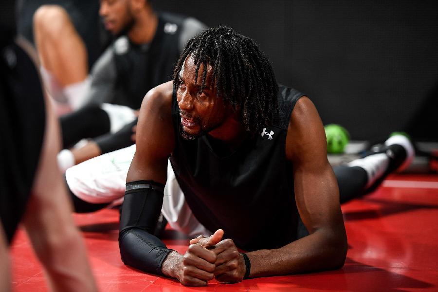 https://www.basketmarche.it/immagini_articoli/16-02-2021/olimpia-milano-arrivo-centro-jeremy-evans-600.jpg