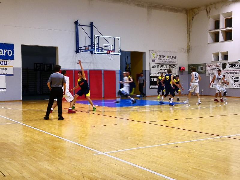 https://www.basketmarche.it/immagini_articoli/16-03-2019/basket-giovane-pesaro-supera-castelfidardo-correre-600.jpg