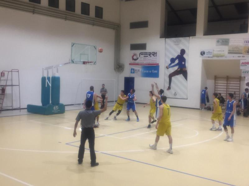 https://www.basketmarche.it/immagini_articoli/16-03-2019/basket-montefeltro-carpegna-supera-finale-pettinari-fossombrone-600.jpg