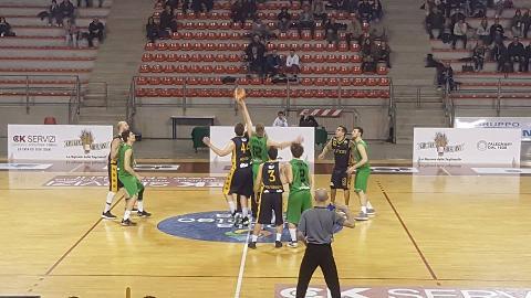 https://www.basketmarche.it/immagini_articoli/16-04-2018/serie-c-silver-il-campetto-ancona-batte-la-sutor-e-guarda-con-fiducia-ai-playoff-270.jpg