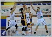 https://www.basketmarche.it/immagini_articoli/16-04-2021/pescara-basket-sfida-pisaurum-coach-vanoncini-impegno-estremamente-gravoso-120.jpg