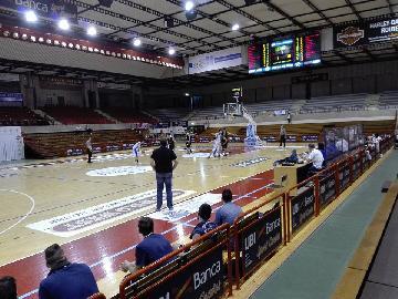 https://www.basketmarche.it/immagini_articoli/16-05-2018/d-regionale-playoff--playout-live-tutti-in-campo-per-gara-2-i-risultati-in-tempo-reale-270.jpg