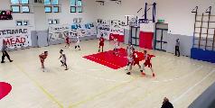https://www.basketmarche.it/immagini_articoli/16-05-2021/bramante-pesaro-supera-amatori-pescara-correre-120.png