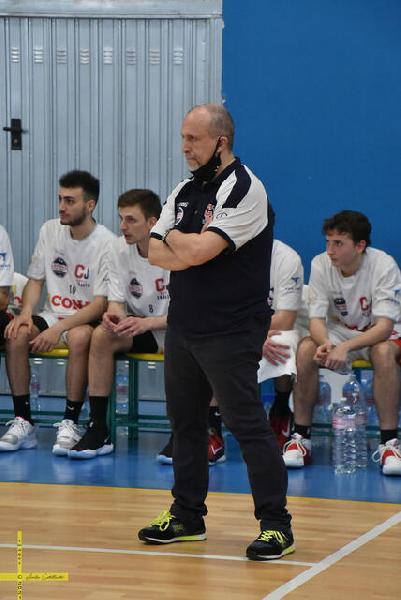 https://www.basketmarche.it/immagini_articoli/16-05-2021/jonico-taranto-sfida-pallacanestro-senigallia-coach-olive-momento-decide-stagione-600.jpg