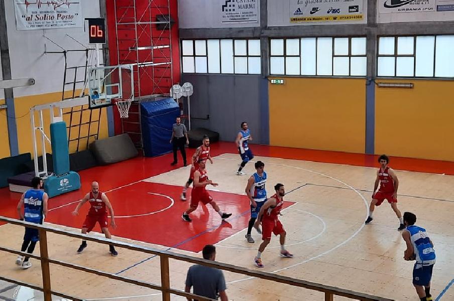 https://www.basketmarche.it/immagini_articoli/16-05-2021/pallacanestro-urbania-risale-supera-montemarciano-dopo-supplementare-600.jpg