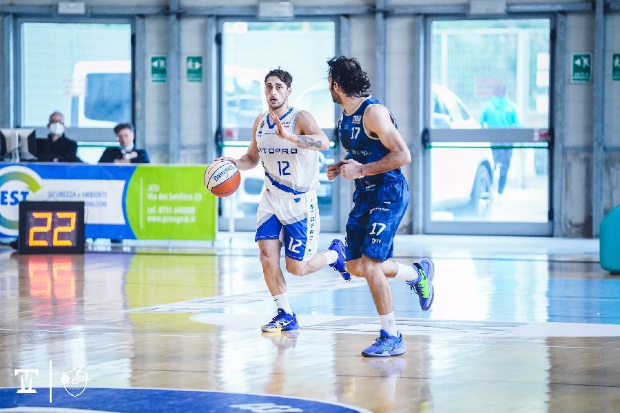 https://www.basketmarche.it/immagini_articoli/16-05-2021/playoff-tabellone-sant-antimo-vendemiano-ribaltano-fattore-campo-bene-taranto-cividale-600.jpg