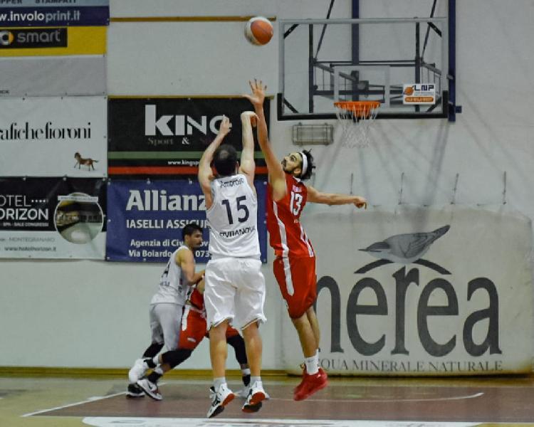 https://www.basketmarche.it/immagini_articoli/16-05-2021/playout-virtus-civitanova-prima-sfida-teramo-spicchi-600.jpg