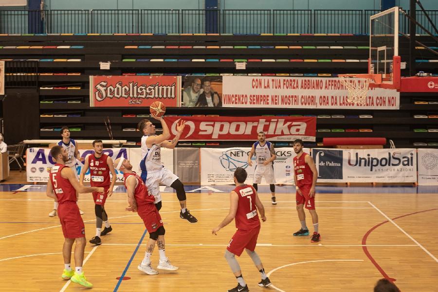 https://www.basketmarche.it/immagini_articoli/16-05-2021/virtus-molfetta-cerca-primato-solitario-match-mola-basket-600.jpg