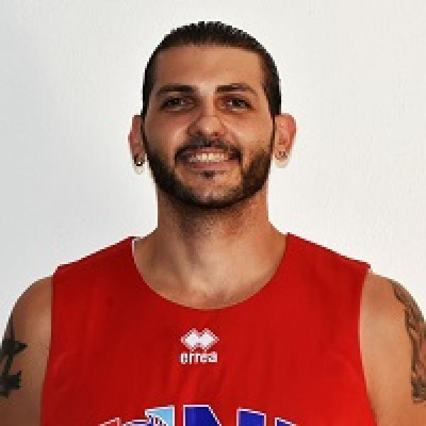 https://www.basketmarche.it/immagini_articoli/16-07-2019/giulianova-basket-pressing-centro-andrea-capitanelli-600.jpg