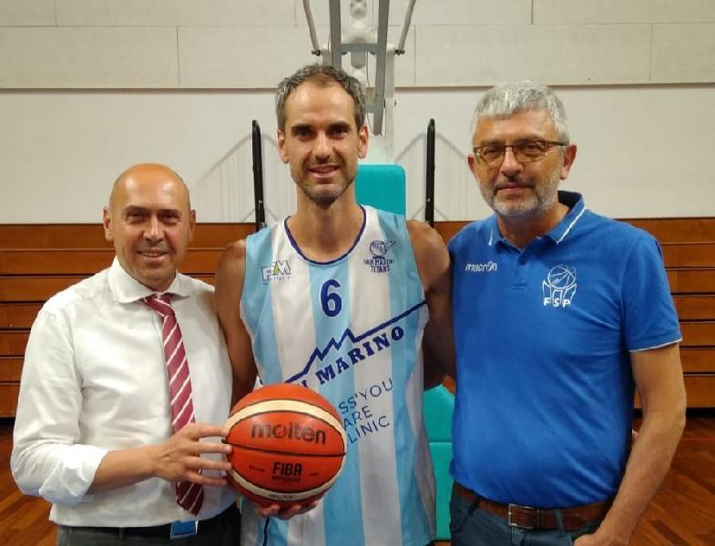 https://www.basketmarche.it/immagini_articoli/16-07-2019/ufficiale-andrea-raschi-colpo-mercato-pallacanestro-titano-marino-600.jpg