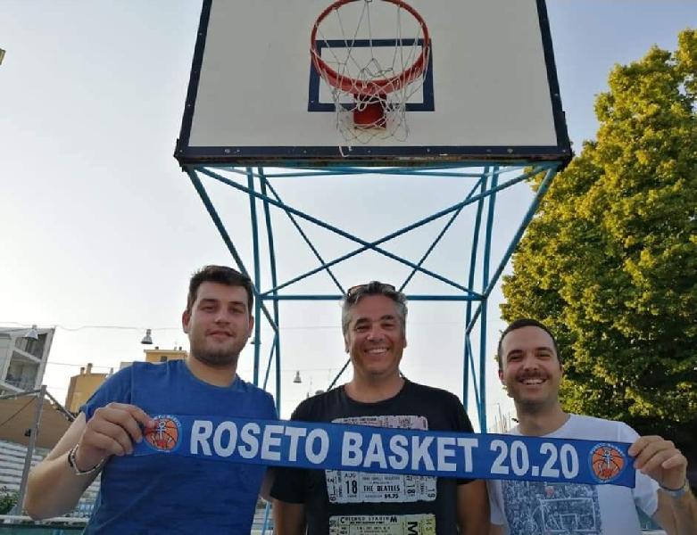 https://www.basketmarche.it/immagini_articoli/16-07-2021/ufficiale-roseto-basket-2020-riparte-conferma-coach-ernesto-francani-600.jpg