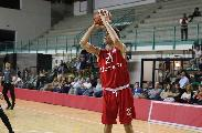 https://www.basketmarche.it/immagini_articoli/16-08-2019/botto-ferragosto-servito-sutor-montegranaro-ufficializza-firma-michele-tremolada-120.jpg