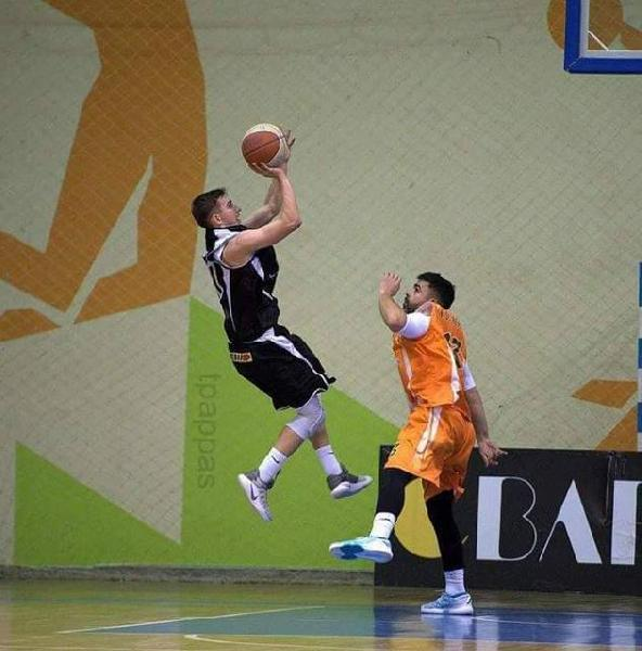 https://www.basketmarche.it/immagini_articoli/16-08-2019/colpo-mercato-perugia-basket-larissa-arriva-albanese-bledar-hanelli-600.jpg