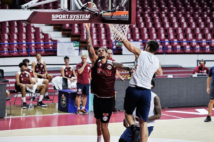 https://www.basketmarche.it/immagini_articoli/16-08-2020/buon-allenamento-taliercio-reyer-venezia-fortitudo-bologna-600.jpg