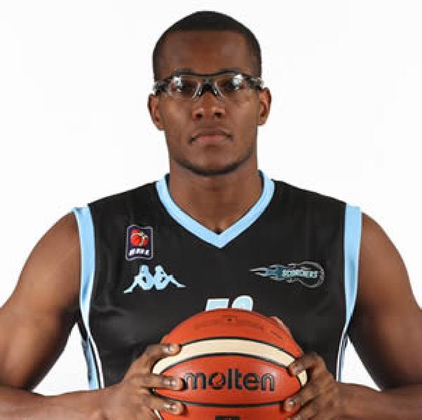 https://www.basketmarche.it/immagini_articoli/16-09-2018/serie-silver-colpo-grosso-pallacanestro-urbania-firmato-lungo-inglese-michael-ochereobia-600.png