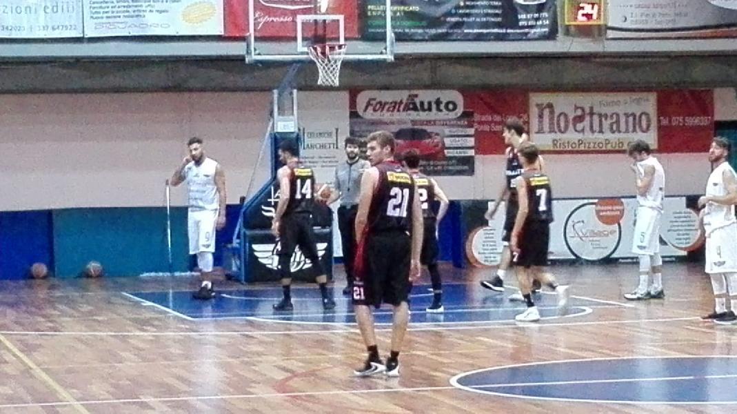 https://www.basketmarche.it/immagini_articoli/16-09-2019/memorial-gaetano-simoni-convincente-vittoria-perugia-basket-campo-basket-todi-600.jpg