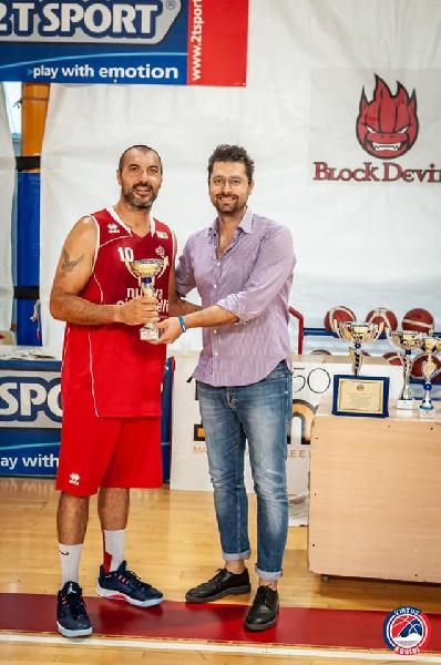 https://www.basketmarche.it/immagini_articoli/16-09-2019/memorial-tagliolini-valdiceppo-basket-supera-tolentino-chiude-terzo-posto-600.jpg