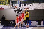 https://www.basketmarche.it/immagini_articoli/16-09-2021/amichevole-equilibrata-sutor-montegranaro-robur-osimo-120.jpg