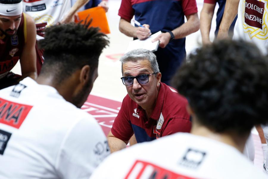 https://www.basketmarche.it/immagini_articoli/16-09-2021/reyer-venezia-coach-raffaele-siamo-molto-contenti-essere-faremo-tutto-battere-pesaro-600.jpg