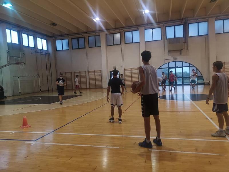 https://www.basketmarche.it/immagini_articoli/16-09-2021/robur-family-osimo-ripresa-pieno-regime-attivit-settore-giovanile-600.jpg