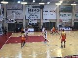 https://www.basketmarche.it/immagini_articoli/16-10-2019/giulianova-basket-espugna-campo-pallacanestro-senigallia-correre-120.jpg