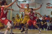 https://www.basketmarche.it/immagini_articoli/16-10-2019/sutor-montegranaro-rimonta-lotta-fine-cede-bakery-piacenza-120.jpg