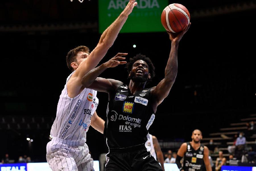 https://www.basketmarche.it/immagini_articoli/16-10-2020/pesaro-aquila-basket-trento-cose-sapere-partita-600.jpg