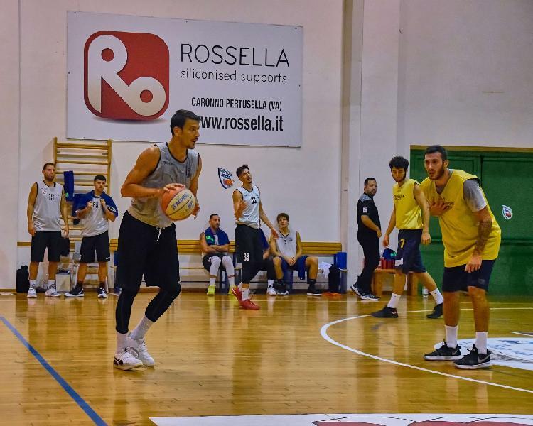 https://www.basketmarche.it/immagini_articoli/16-10-2020/virtus-civitanova-sfida-campo-pallacanestro-roseto-giocher-davanti-spettatori-600.jpg