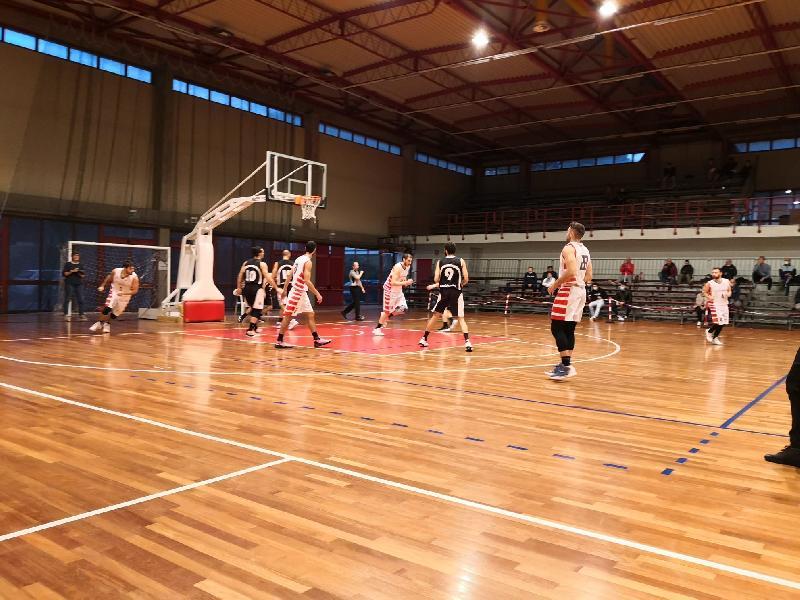 https://www.basketmarche.it/immagini_articoli/16-10-2021/ascoli-basket-espugna-autorit-campo-basket-tolentino-600.jpg