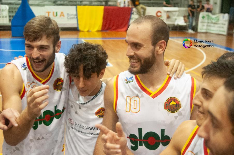 https://www.basketmarche.it/immagini_articoli/16-10-2021/giulia-basket-giulianova-flying-balls-ozzano-confermare-imbattibilit-600.jpg