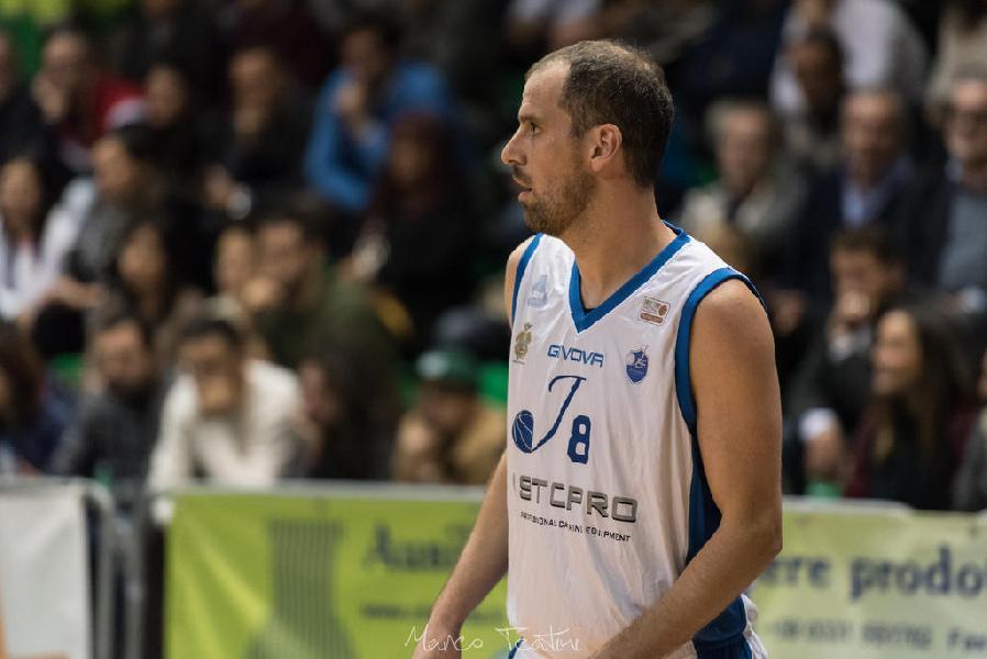 https://www.basketmarche.it/immagini_articoli/16-11-2018/santiago-boffelli-lascia-janus-fabriano-accasa-basket-corato-600.jpg